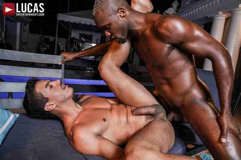 Andre Donovan And Jonathan Miranda's Nighttime Hotel Sex [Bareback]