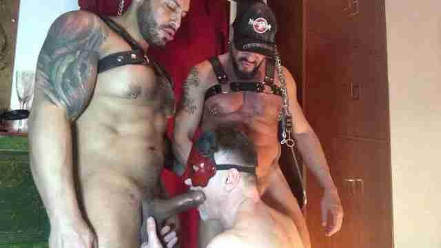 Viktor Rom, Darek Kraft – Fucking A Slave 2 [Bareback]