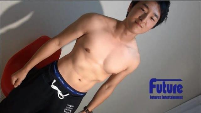 [Future Boy] TC1003842 – マッチョな21才変態学生が荒い吐息を吐きながらオナホでフィニッシュ!