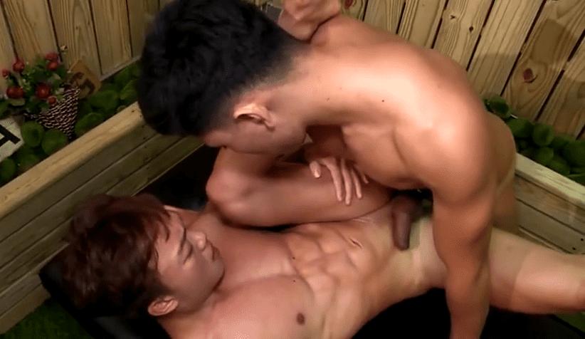 ASIAN HUNK MASSAGE SERVICE